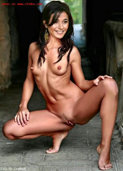 Emmanuelle Chriqui Nude Photos Sex Scene Pics