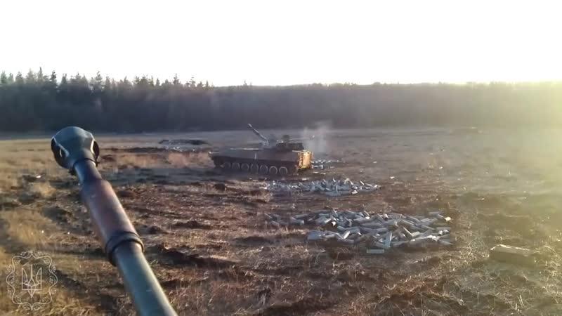 122 мм самохідна артилерійська установка 2С1 Гвоздика 1 ї ОТБр ЗСУ веде пристрілку цілі mp4