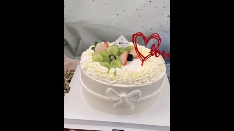 Кремовый декор торта с ободком и бантиком Наша группа во ВКонтакте ULTRACAKES