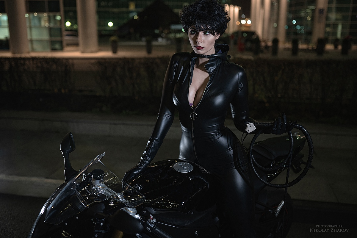 Catwoman cosplay blue wolf