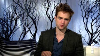 Breaking Dawn P2 Press Junket - Robert Pattinson on E! News Interview