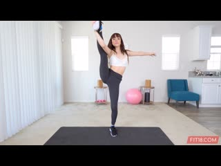 Aliya Brynn - Fit18 - Initial Casting ## POV brunette flexible teen yoga pants uniform секс порно кастинг blowjob sex porn