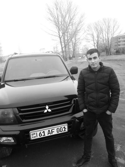Mush Xachatryan, Tyumen
