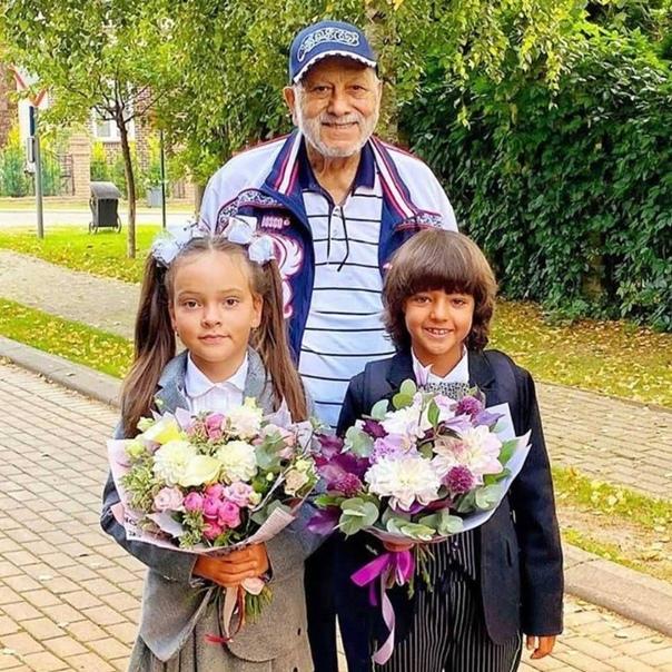 Бедрос Киркоров поделился совместной фотографией с внуками!  А...