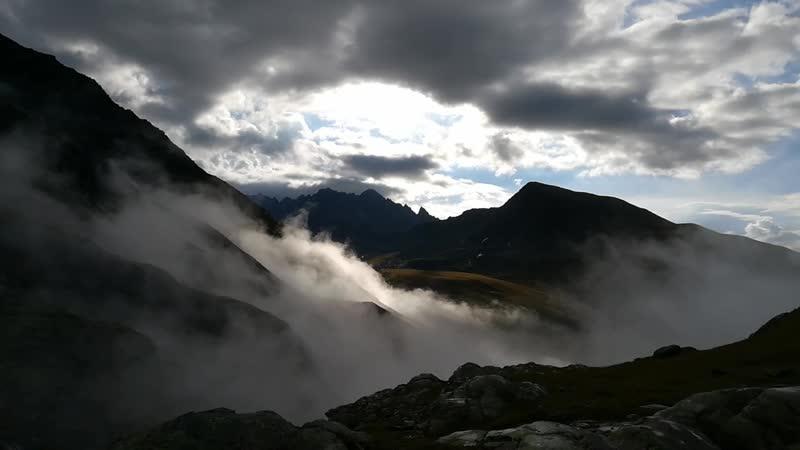 Стоянка после перевала Обской Туман рассеялся