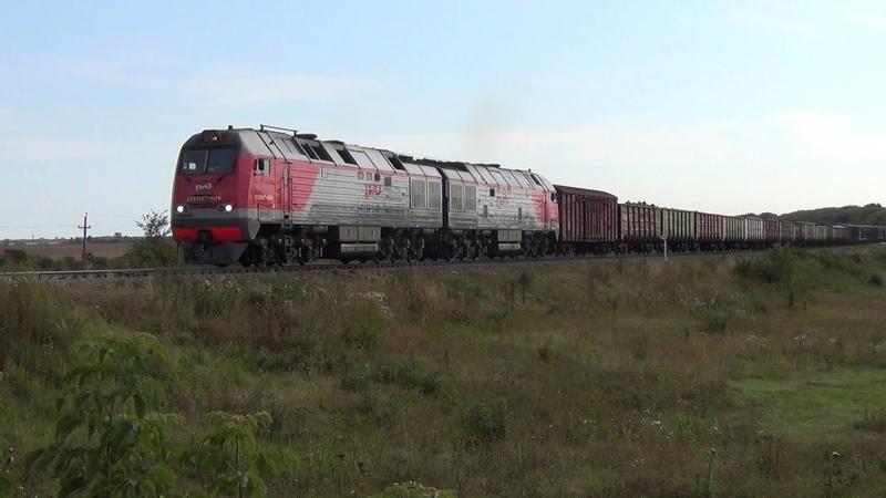 Тепловоз 2ТЭ25МК 0178 с грузовым поездом