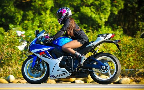 Скачать Обои Девушки На Мотоциклах